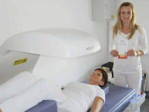 Knochendichtemessung - Gruppenpraxis Schwechat Dr. Bauer & Partner